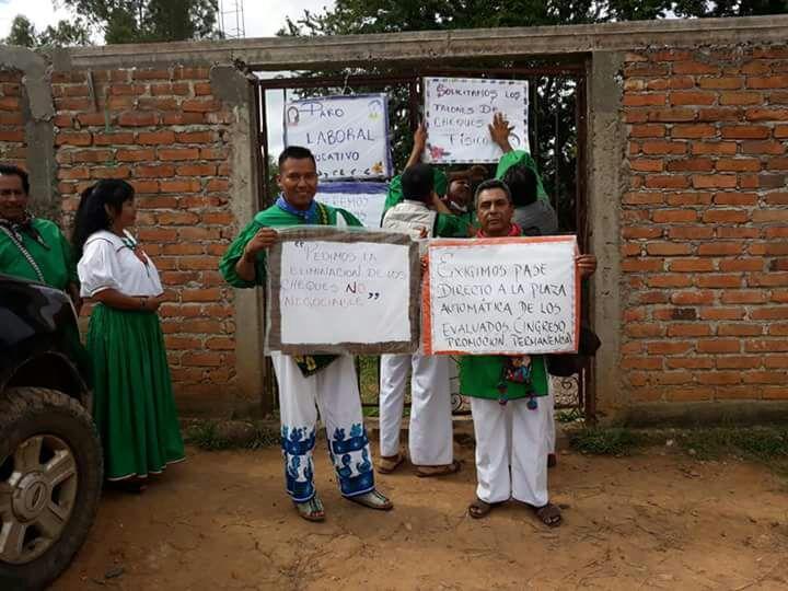 Paro laboral de maestros en Bolaños